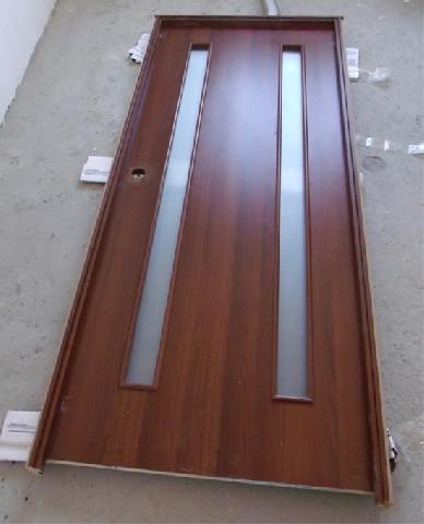 Дверной короб для удобства установки должен быть собран