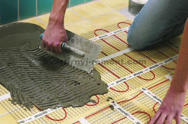 Фото укладки раствора на электрический теплый пол