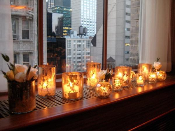 Фото свечи на подоконнике