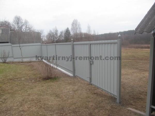 Фото готовых ворот из профнастила