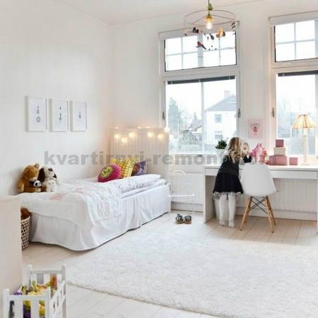 Красивая белая детская комната