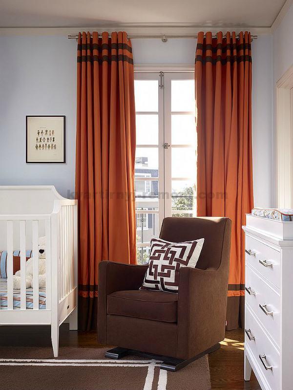 Очень плотные шторы в комнате