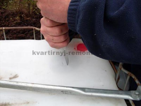 Фото отметки места для вентиляции канализации из еврокуба