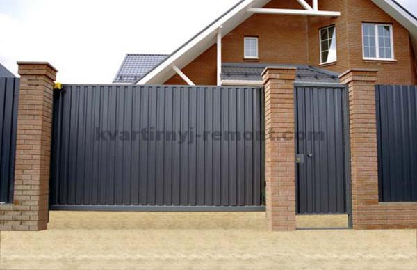 Фото откатных ворот из профнастила