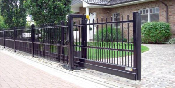 Фото консольных откатных ворот