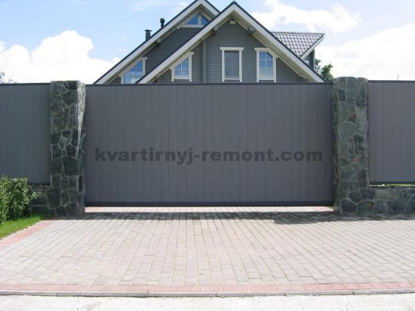 Фото откатных ворот из металлического сайдинга