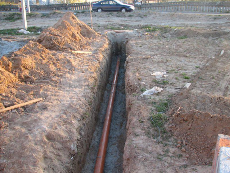 ukladka-truby-dlya-kanalizatsii