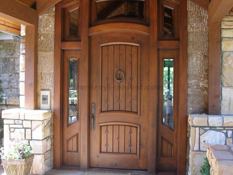 выбрать входную дверь частный дом