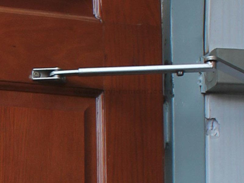 dovodchik-na-vkhodnoy-dveri