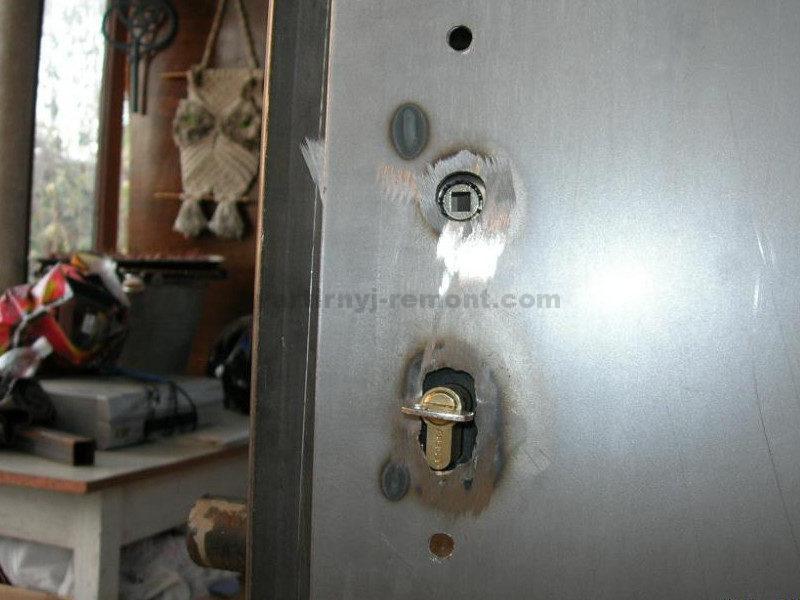 vstavka-zamka-v-dver