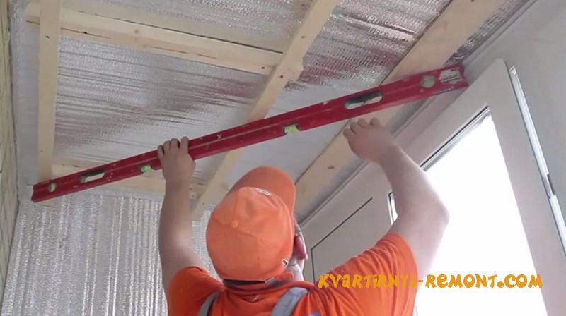 Чем утеплить потолок на балконе своими руками 92