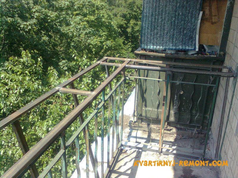 ukrepleniye-parapeta-balkona