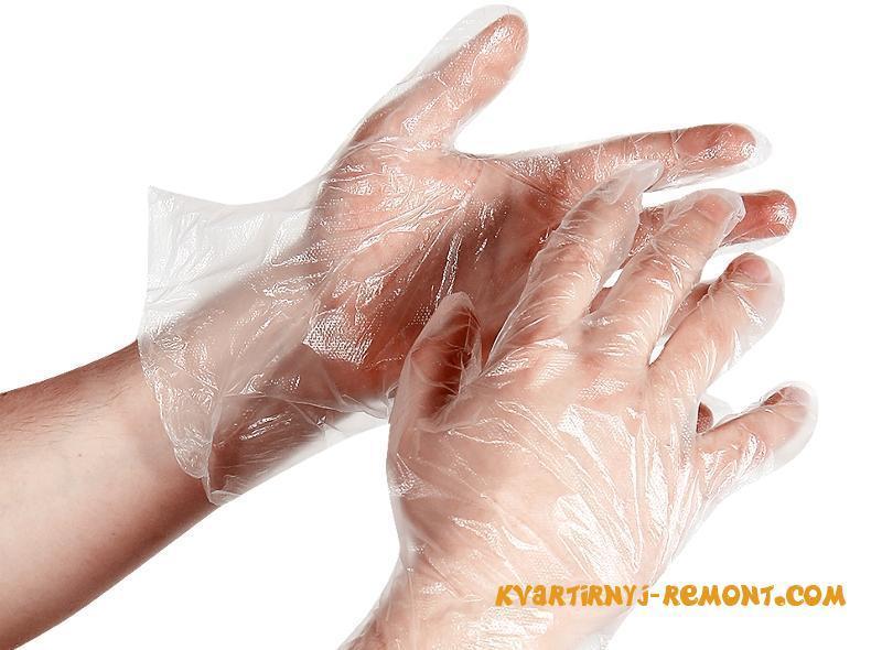 Защита рук одноразовыми перчатками