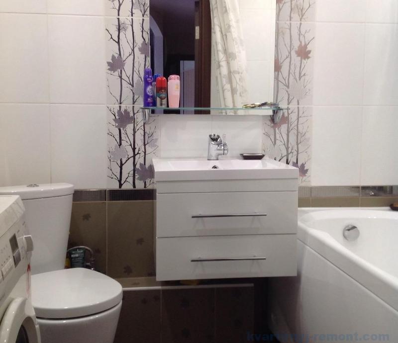Светлые тона в интерьере ванной