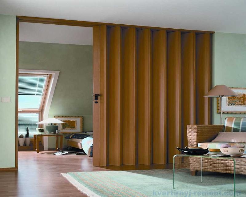 Межкомнатные двери-гармошка, варианты из разных материалов