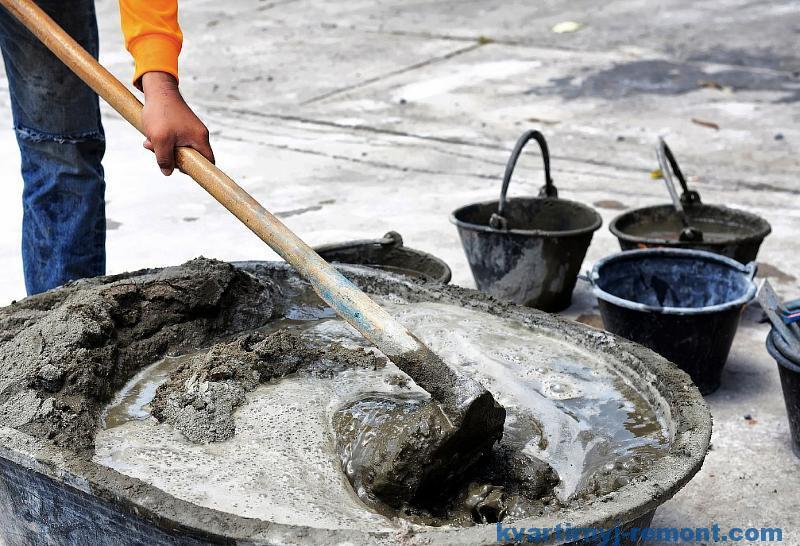 Добавление воды перед перемешиванием раствора