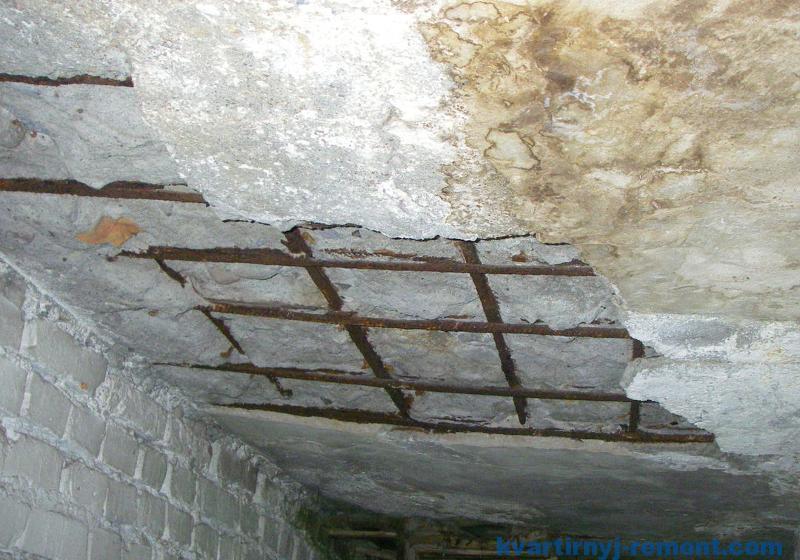 Разрушение бетона водой