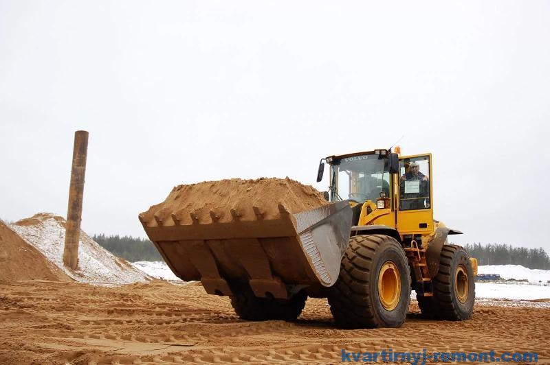 Бульдозер с песком