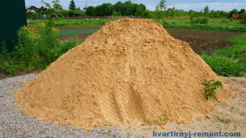 Купили песок на участок