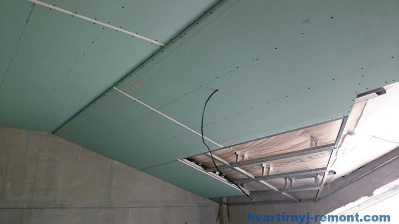 Гипсокартонный потолок на мансарде