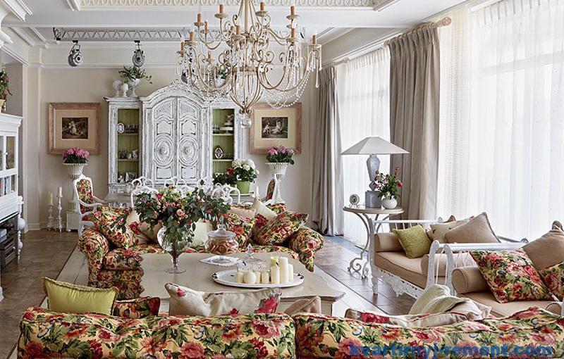 Яркая мебель стиля прованс