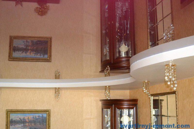 Зеркальный глянцевый натяжной потолок