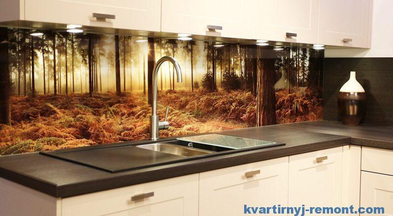 Кухонный фартук из стекла фотопечатью