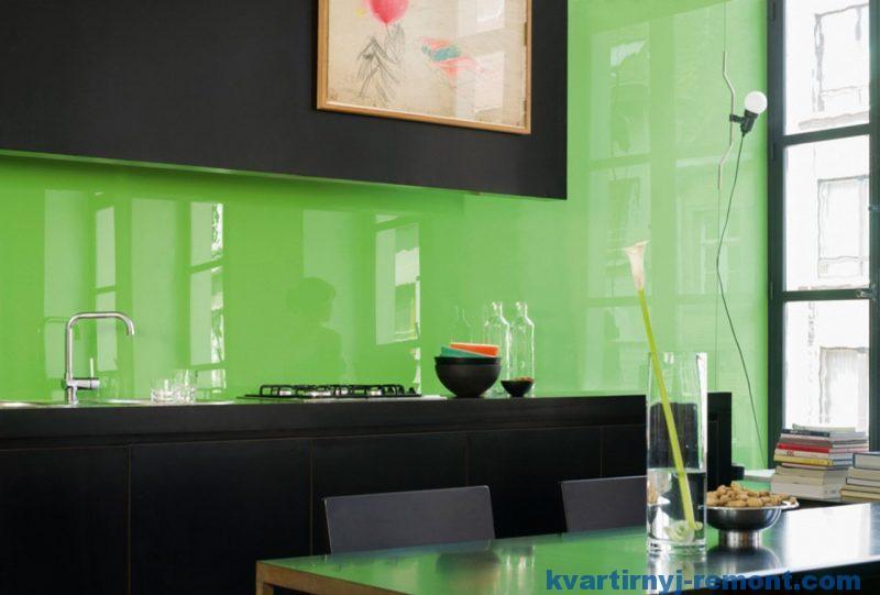 Однотонный цветной стеклянный фартук