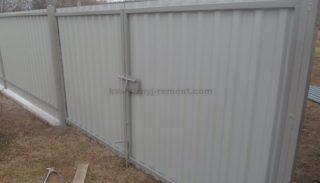 Фото распашных ворот из профнастила