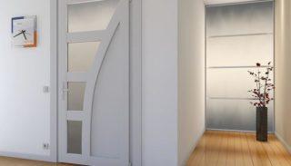 Межкомнатная пластиковая дверь