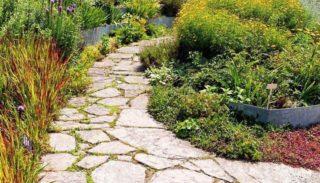 Садовые дорожки: своими руками и с малыми затратами