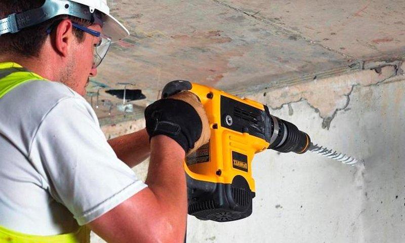 Чем поможет перфоратор при ремонте квартиры