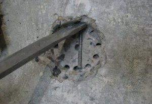 Попалась арматура в бетоне