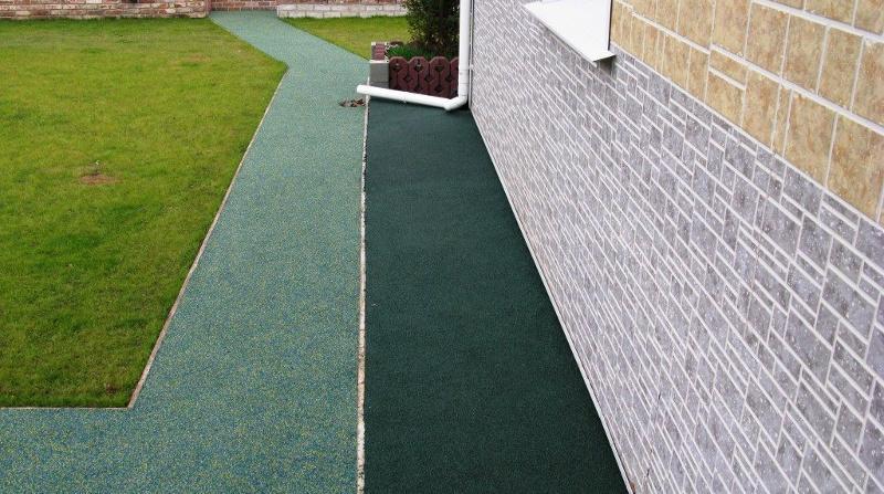 Плюсы резиновой краски по бетону