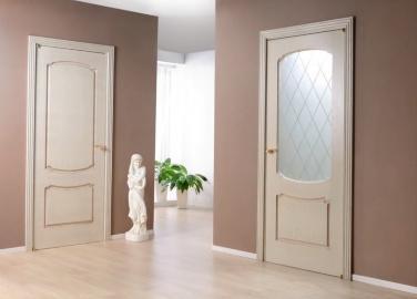 двери со светопрозрачным, молочно-белым стеклом