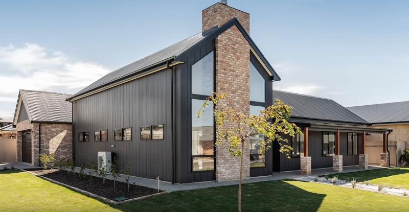 Адаптация материалов на фасаде современного дома