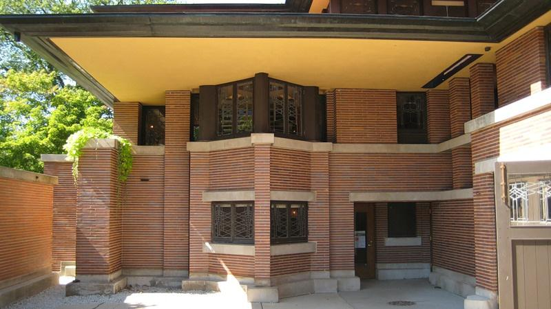 Контрастный цвет раствора в кладке на фасаде