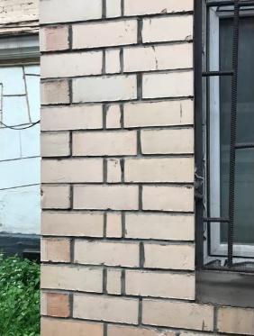 Пример плохой кладки фасада