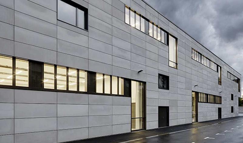 Горизонтальный монтаж фиброцементных панелей на фасаде